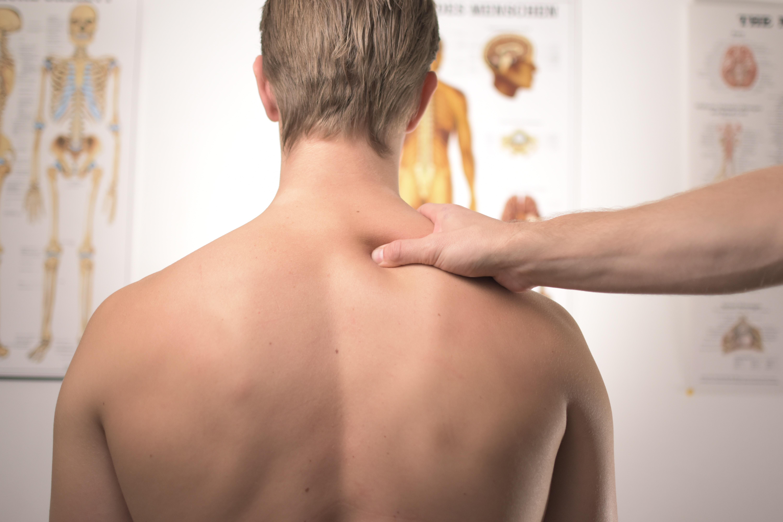 jak walczyć z bólem szyi?
